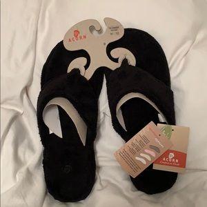 Acorn black slippers
